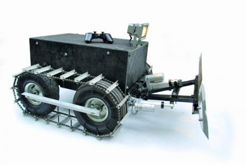 Robot Spazzaneve controllato con controller Playstation e Smart Phone
