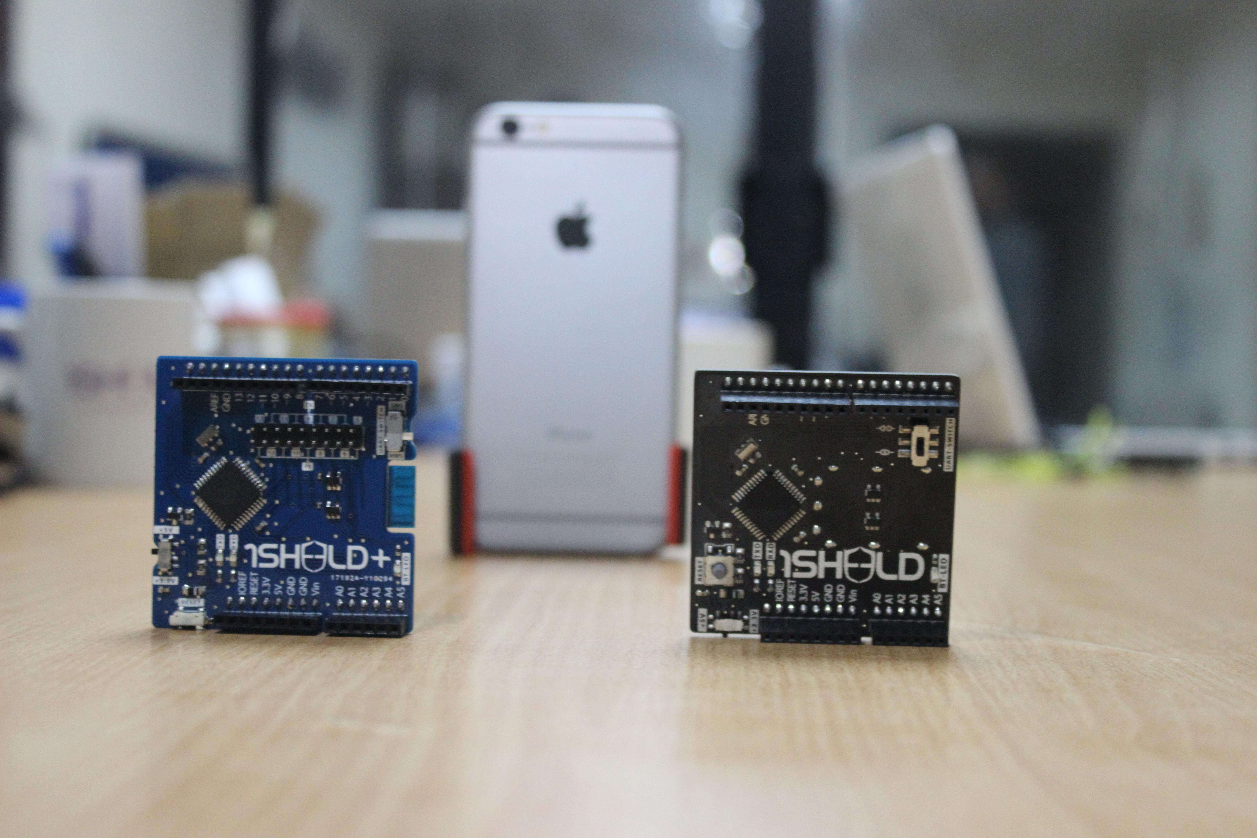 1Sheeld: Build electronics projects with your iOS and Android smartphones