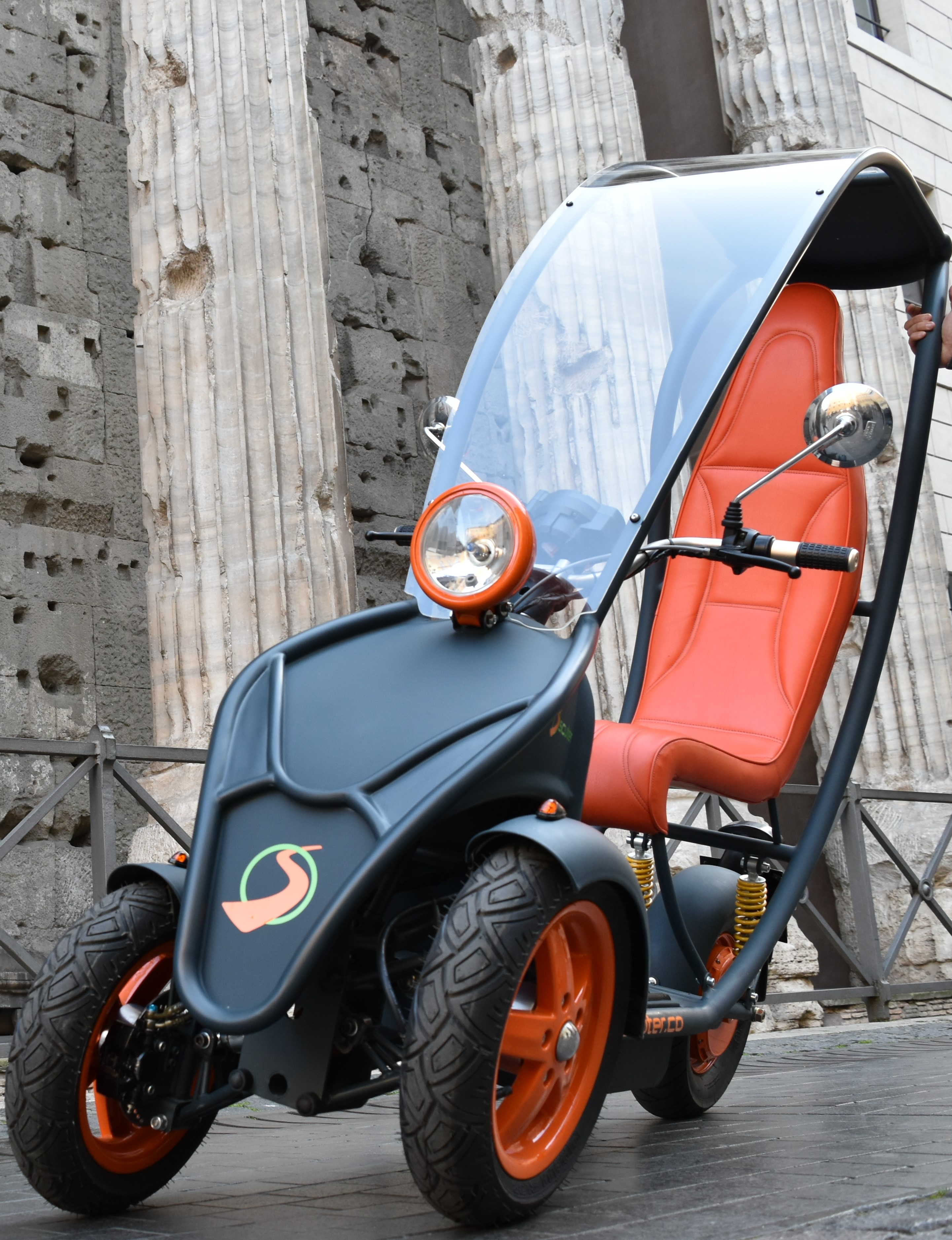 Scuter, the smart e-scooter sharing service that revolutions the urban commuting