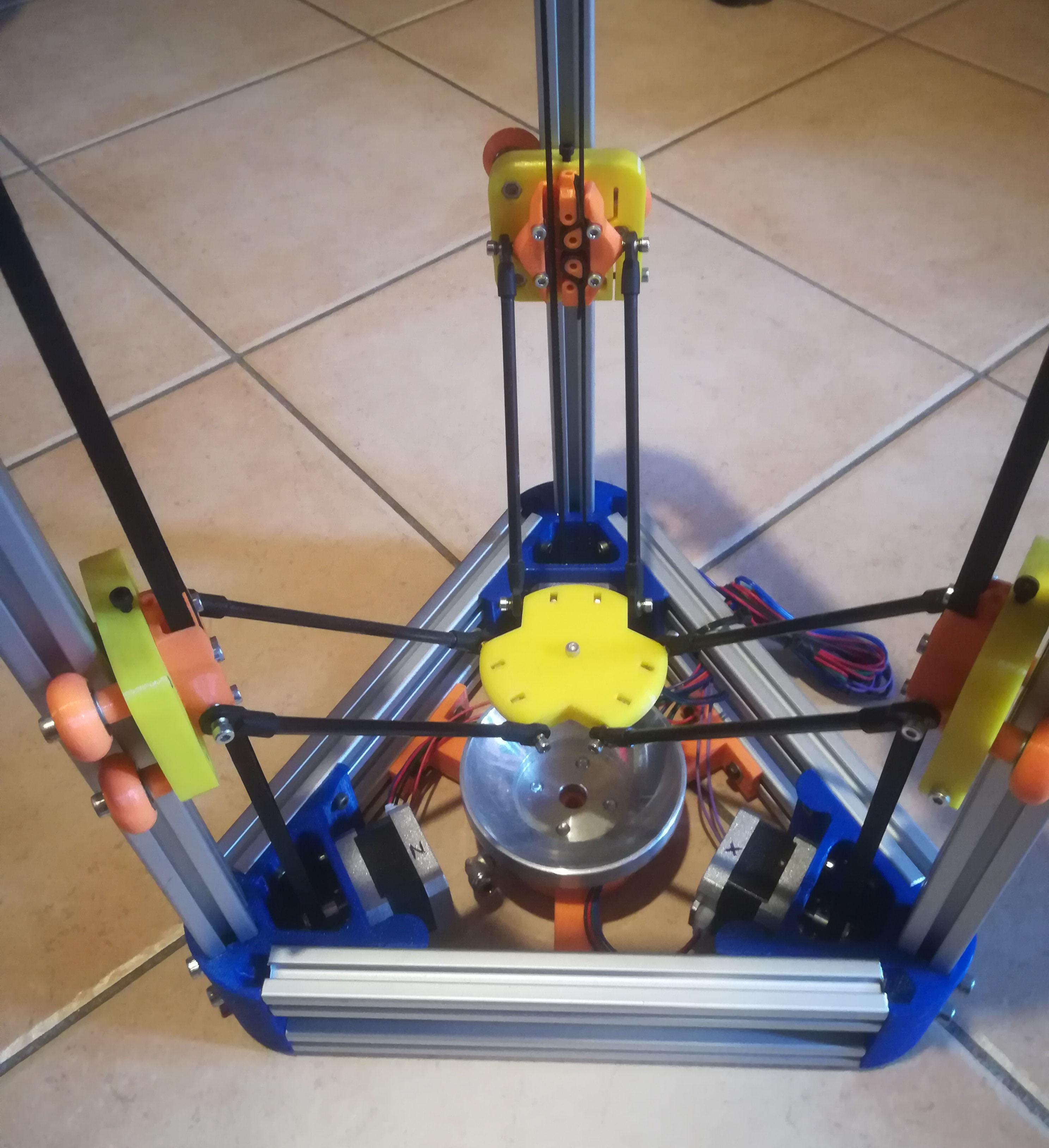 3D Delta CNC per incisioni sferiche