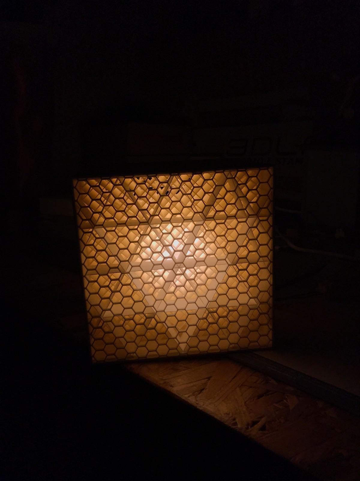 Alveolar lamp